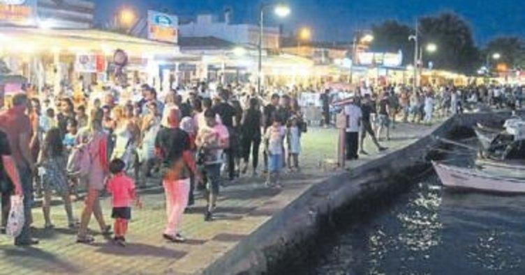 Bayramda Cunda'ya tatilciler akın etti