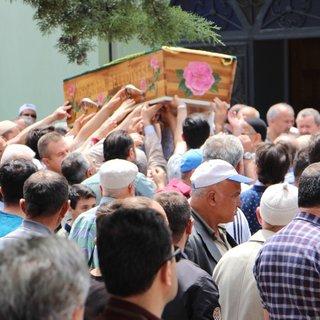 Babasının tabancasıyla vurulan Ahmet Melih toprağa verildi