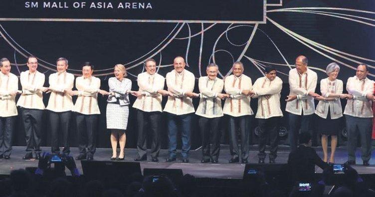 Manila'da Barong diplomasisi