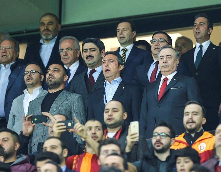 Galatasaray'dan Fenerbahçe derbisi öncesi şok karar!