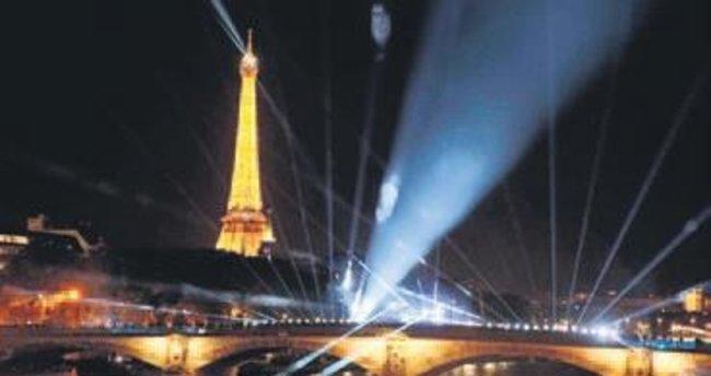 Paris'te 'beyaz geceler' zamanı