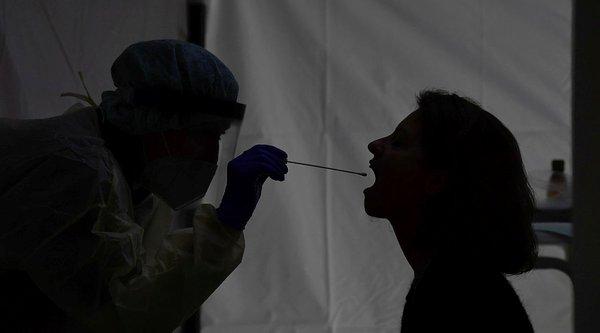 Gün gün korona   corona pandemi  virüs belirtileri neler? Koronavirus-belirtileri-gun-gun-nasil-ortaya-cikiyor-koronavirus-belirtileri-nelerdir-kac-gunde-belli-olur-1609441002556