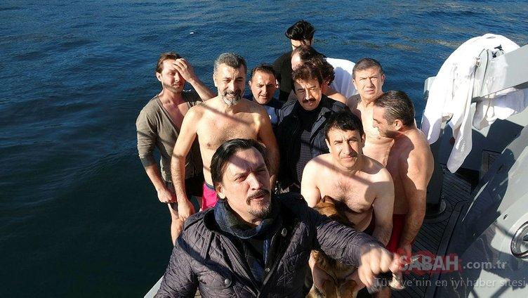 Soğuğa aldırmadan İstanbul Boğazı'nın buz gibi sularında yüzdüler