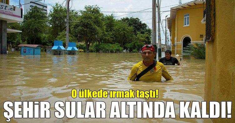 Peru'da ırmak taştı! Şehir sokakları sular altında!