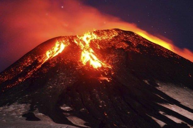 Şili'de volkan patlaması