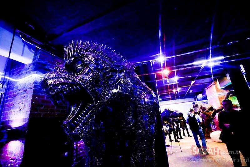 Rusya'da 100 ton araba hurdasından üretilen eserlerin bu müzede sergileniyor