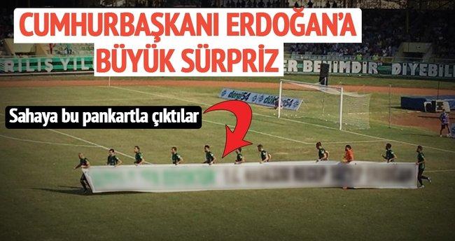 Sakaryaspor'dan Erdoğan'a büyük sürpriz