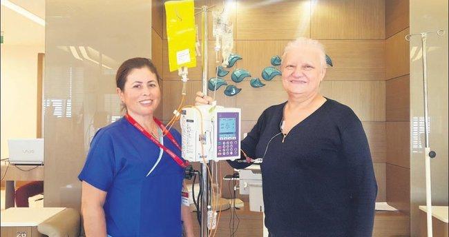 Onkoloji hemşiresi meme kanserini yendi
