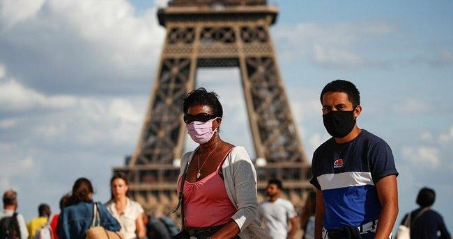 Paris'te korkutan patlama sesi