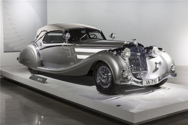 Otomobil müzesi kapılarını açtı