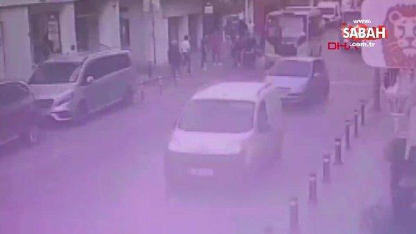 Bayrampaşa'da minibüsün kadına çarpma anı kamerada | Video