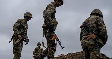 Cephede bekleyen Azerbaycan askerleri: İşgalciler Karabağ'dan çekilecek