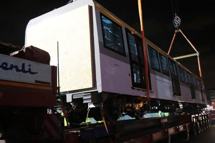 Üsküdar Çekmeköy metrosu vagonları raylara indirildi