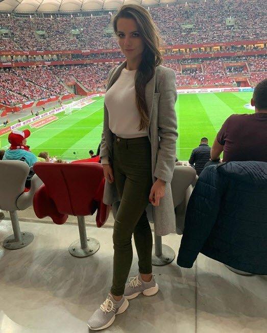 Polonyalı hakem Karolina Bojar güzelliğiyle Instagram'ı sallıyor