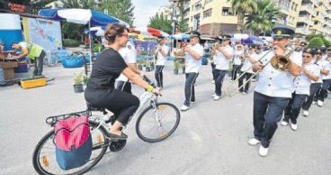 Otomobilsiz kent keyfi İzmir'de