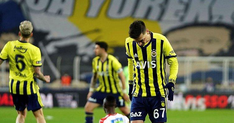 Son dakika: Fenerbahçe zirve yarışında yara aldı! Göztepe Kadıköy'de kazandı...