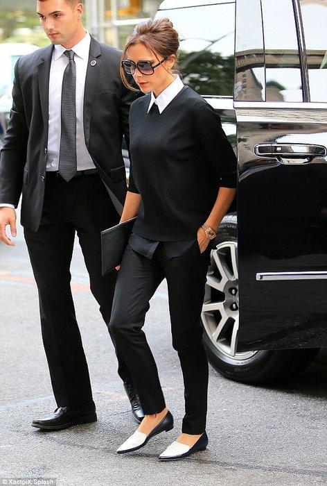 Victoria Beckham'ın iş kadını şıklığı!