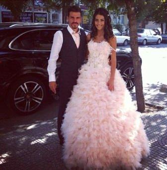 Ersan Gülüm ile Tuğba Melis Türk nişanlandı