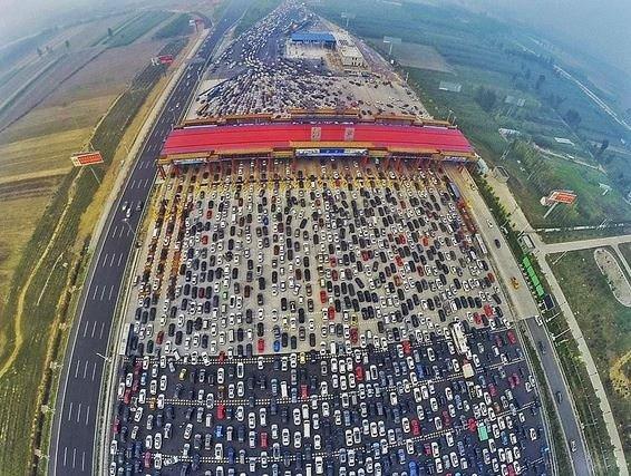 Beterin beteri var : trafiği istanbul'u aratmayan 26 çılgın şehir