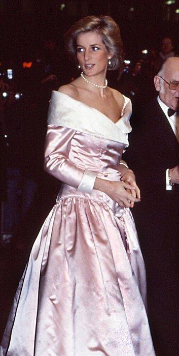 Hafızalardan silinmeyen sitliyle Prenses Diana modası...