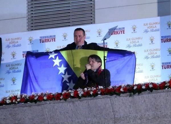 İşte Davutoğlu'nun balkon konuşması