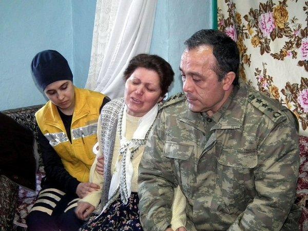 Şehit evlerinden yürek yakan fotoğraflar
