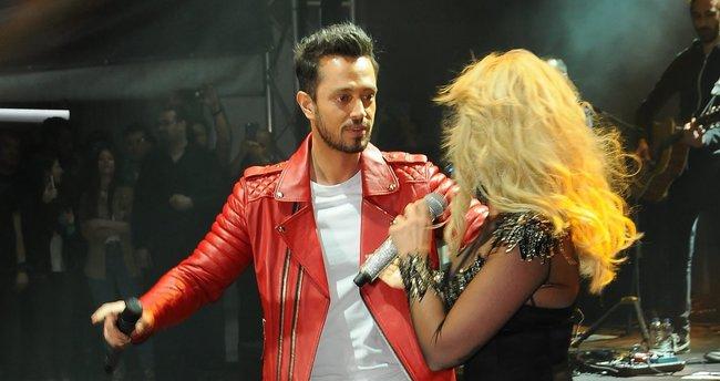 Aslı Enver ve Murat Boz'dan Hadise açıklaması