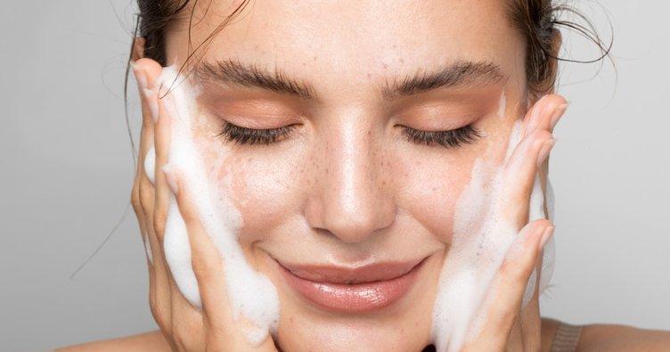 Lekelenen cildi tedavi etmenin tam zamanı! Sonbaharda cildiniz böyle ışıldasın!