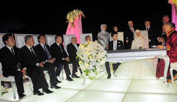 Ahmet Davutoğlu'nun kızı evlendi