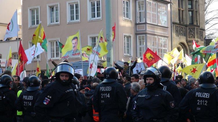 PKK ve FETÖ'ye kucak açan Almanya'da çocuk kanalında Türk düşmanlığı