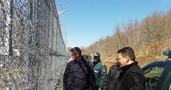 Bulgaristan, Türkiye sınırındaki tel örgü inşaatını Mayıs'ta tamamlıyor