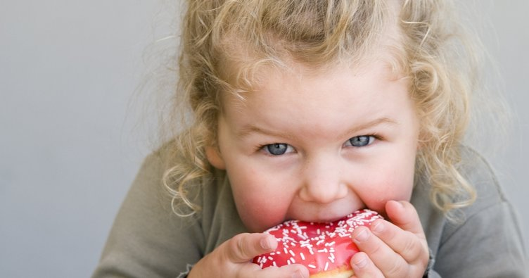 Çocuklarda obezite neden olur? Obezite belirtileri ve tedavisi
