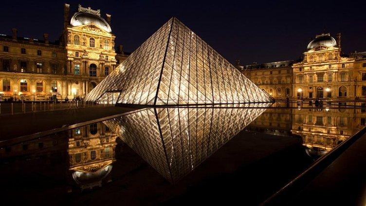 2015'te en çok ziyaret edilen müze yine Louvre!