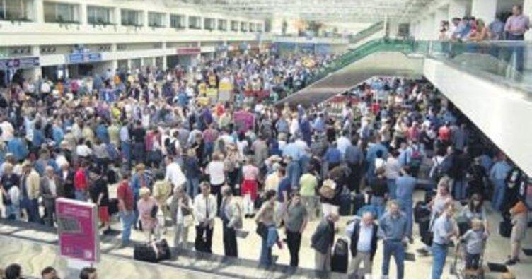 İstanbul'a iki ayda 16 milyon yolcu geldi