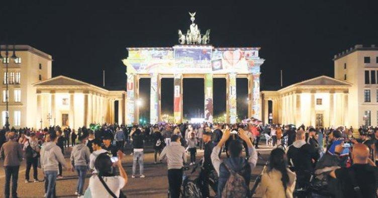 Berlin'de Işık Festivali başladı