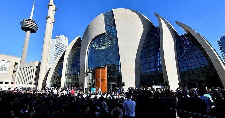 Almanya'da camiler tamamen açılıyor