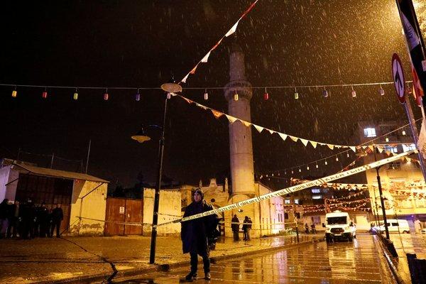 PYD/PKK'nın Kilis'te camiye roketli saldırısı