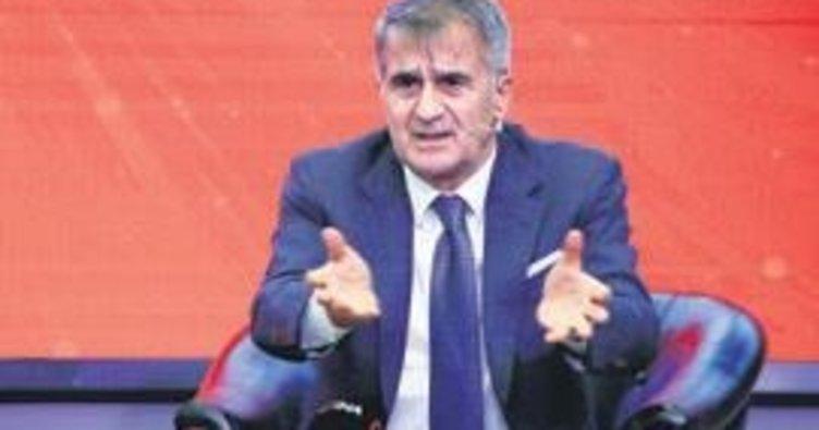 Yabancı oyuncuların Türklere zararı var