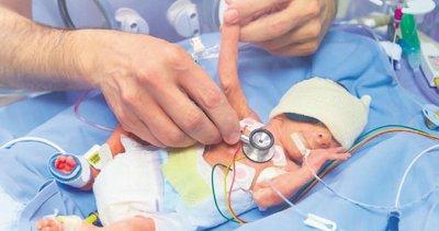 Prematüre bebeklerin anneleri kendilerini suçlamasın