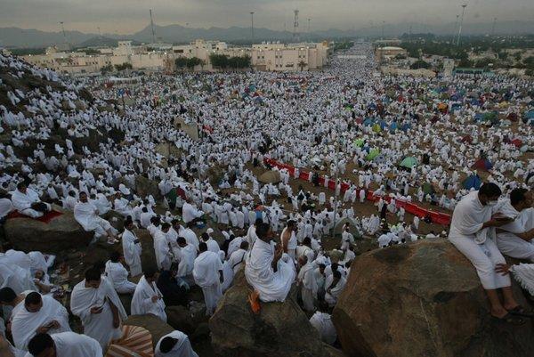 Arafat beyaza büründü