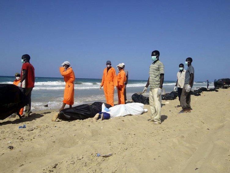 Denizden ceset topladılar