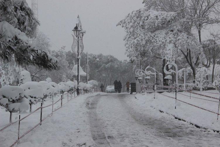 Çamlıca Tepesi'nden kar manzarası