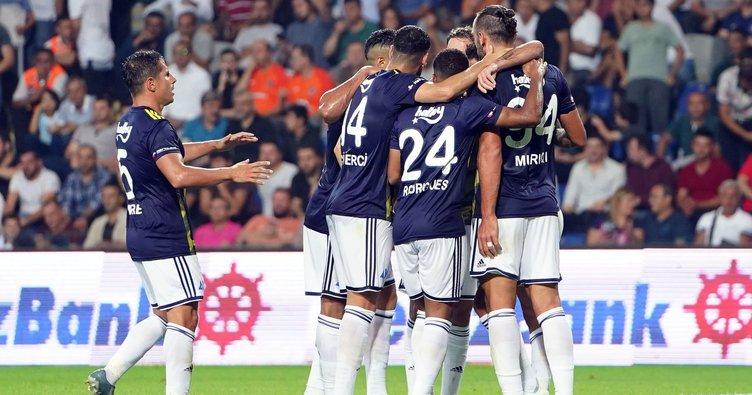 Fenerbahçe 1-0'dan döndü, Medipol Başakşehir'i devirdi
