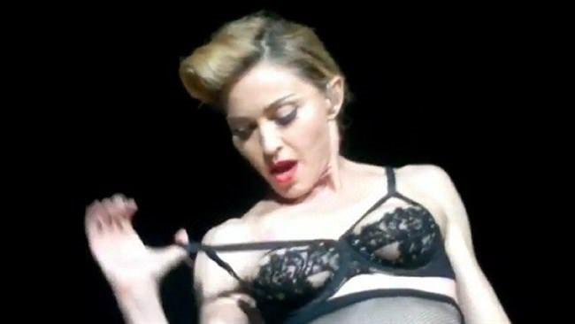 Madonna'dan mide bulandıran paylaşım!