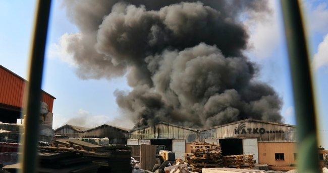 Son dakika: Osmaniye'de plastik fabrikasında yangın!