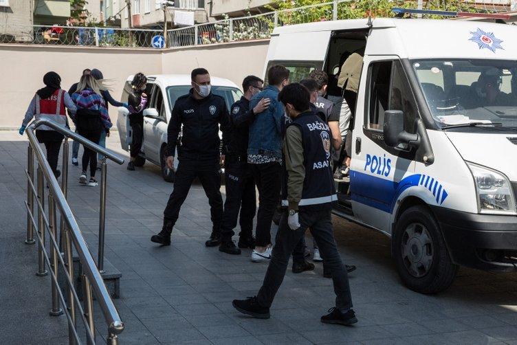Bağcılar'da bir evde parti düzenleyen 10 kişi gözaltına alındı