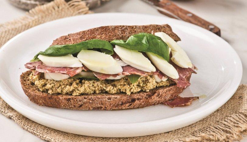 Patlıcanlı Füme Etli Sandviç