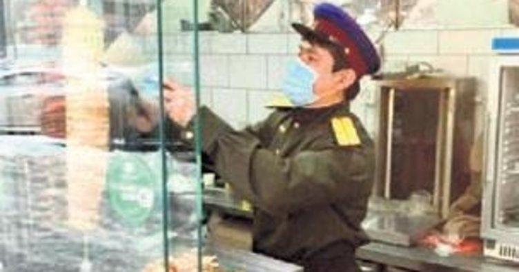 Stalin Döner tepki üzerine kapatıldı