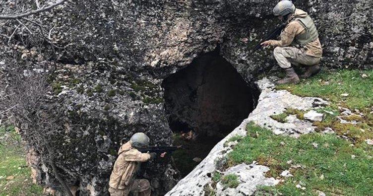 Diyarbakır'da teröristlerin 17 sığınağı kullanılamaz hale getirildi