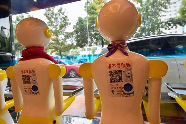 Çinliler robot mağaza açtı!